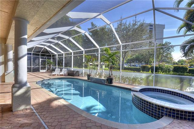 12830 Yacht Club Cir, Fort Myers, FL 33919
