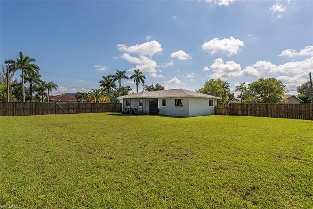 3202 Santa Barbara Pl, Cape Coral, FL 33904