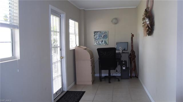 21 Lanai Cir 21, Naples, FL 34112