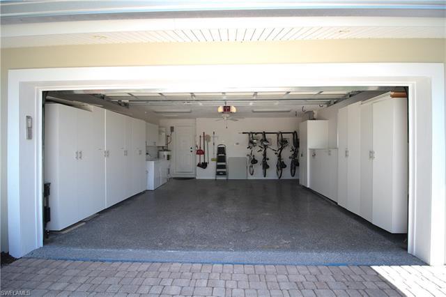 1645 Mullet Ct, Naples, FL 34102