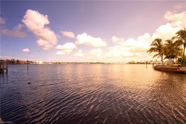 1305 Marlin Dr, Naples, FL 34102