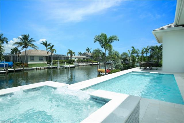 1610 Winterberry Dr, Marco Island, FL 34145