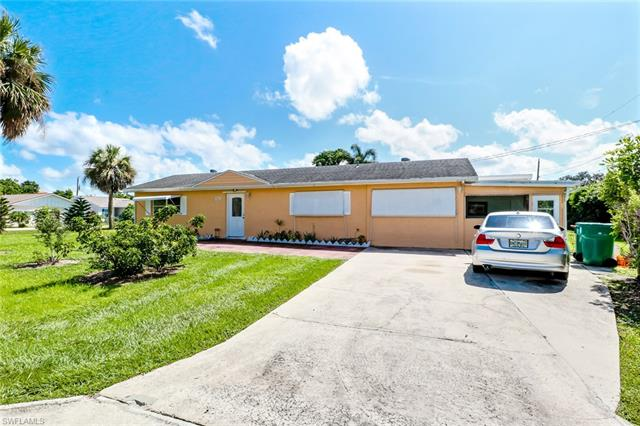602 103rd Ave N, Naples, FL 34108
