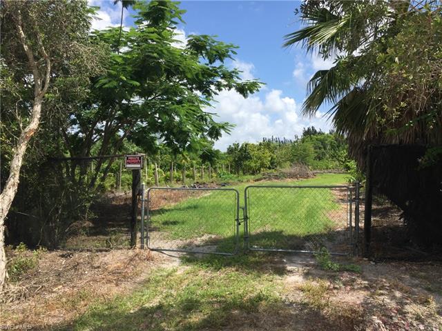6361 Meadow Ln, Bokeelia, FL 33922
