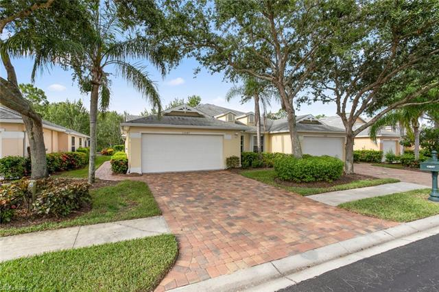 15047 Sterling Oaks Dr, Naples, FL 34110