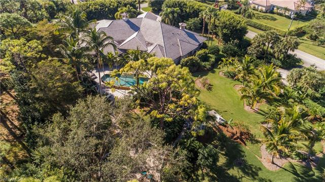 675 West St, Naples, FL 34108
