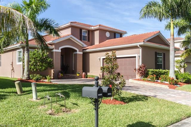 8654 Sumner Ave, Fort Myers, FL 33908