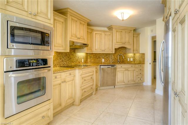 4041 Gulf Shore Blvd N 1207, Naples, FL 34103