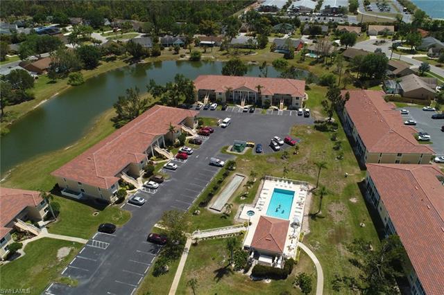 180 Furse Lakes Cir E-4, Naples, FL 34104