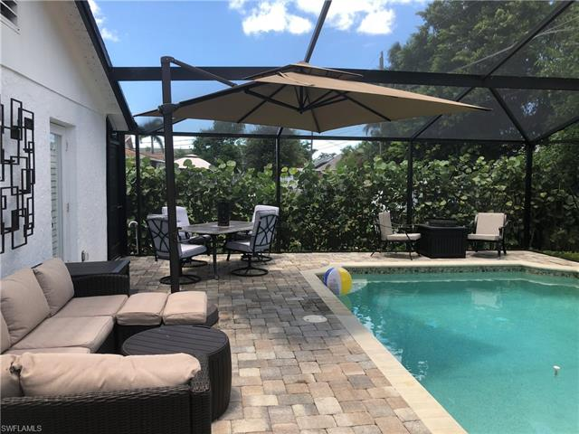 749 105th Ave N, Naples, FL 34108