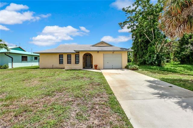 60 1st St, Bonita Springs, FL 34134