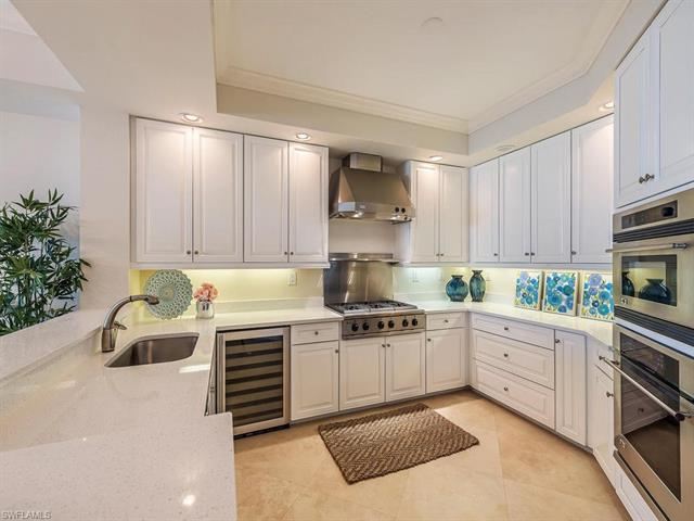 285 Grande Way 1405, Naples, FL 34110