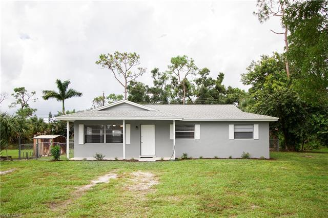 651 Pine Cone Ln, Naples, FL 34104