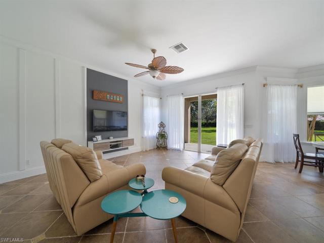 2021 Isla De Palma Cir, Naples, FL 34119