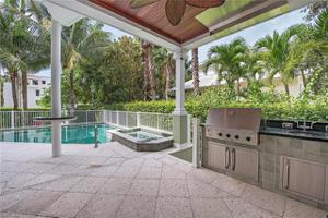 85 13th Ave S, Naples, FL 34102