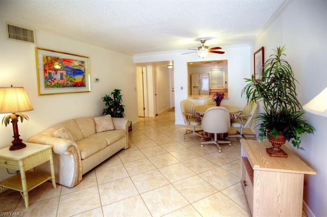 343 8th Ave S 343, Naples, FL 34102