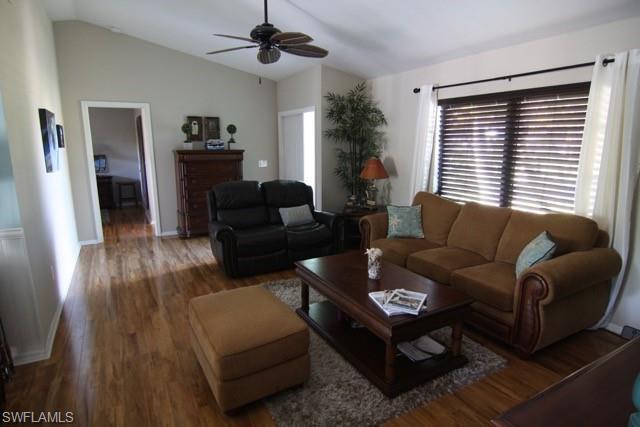 3193 Lakeview Dr, Naples, FL 34112
