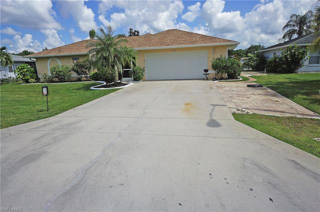 10318 Sandy Hollow Ln, Bonita Springs, FL 34135