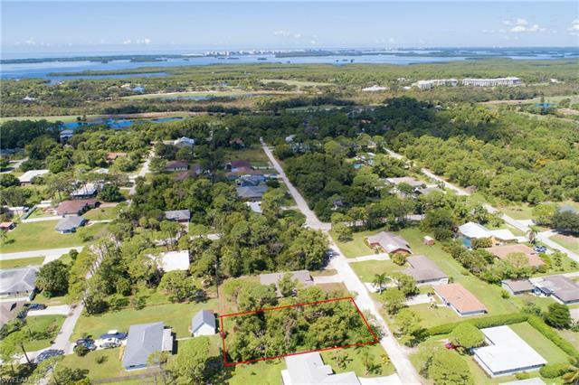 4575 Catalina Ln, Bonita Springs, FL 34134