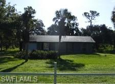 520 2nd St Ne, Naples, FL 34120