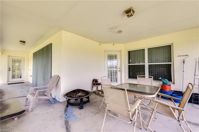 2521 5th Ave, Cape Coral, FL 33909