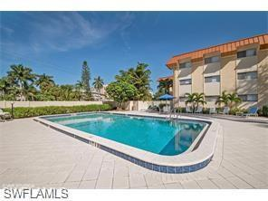 1100 Gulf Shore Blvd N 209, Naples, FL 34102