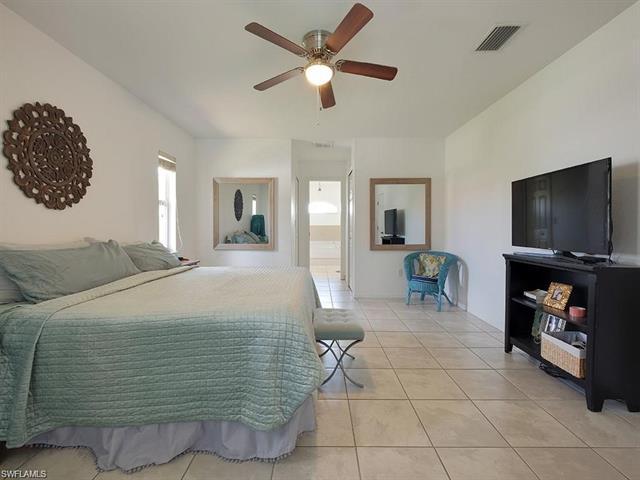 712 9th Ave, Cape Coral, FL 33991