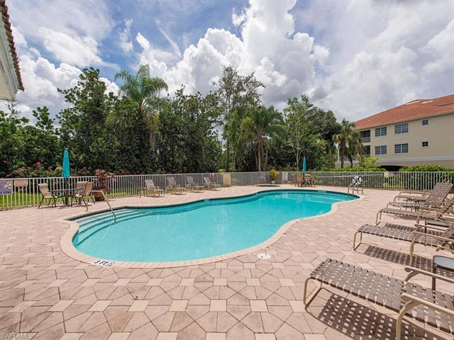 4834 Hampshire Ct 105, Naples, FL 34112
