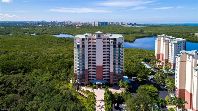 425 Cove Tower Dr 401, Naples, FL 34110