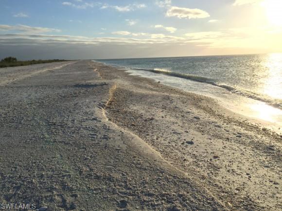 5 Acorn Ct, Marco Island, FL 34145
