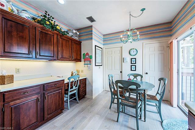 28 Golf Cottage Dr Sw, Naples, FL 34105