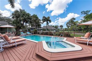 28 Golf Cottage Dr Sw, Naples, FL 34105
