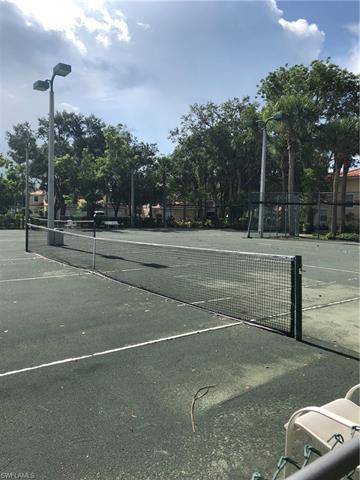 2615 Magnolia Park Ln W-202, Naples, FL 34109