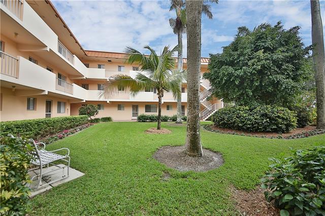 1100 Gulf Shore Blvd N 108, Naples, FL 34102