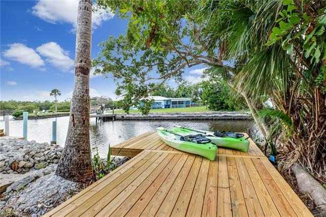 24585 Dolphin St, Bonita Springs, FL 34134