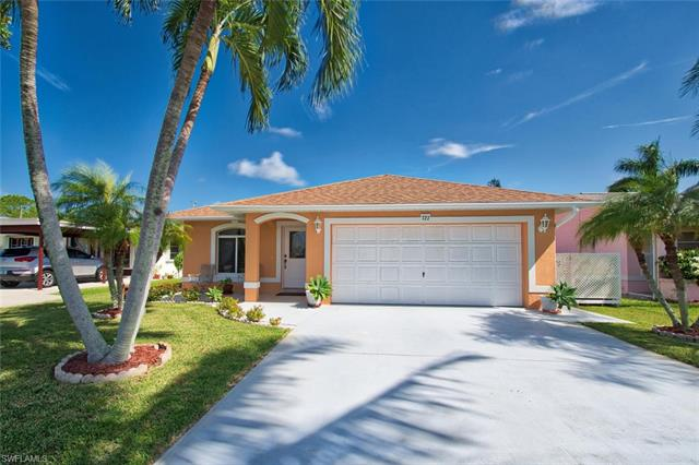 727 100th Ave N, Naples, FL 34108