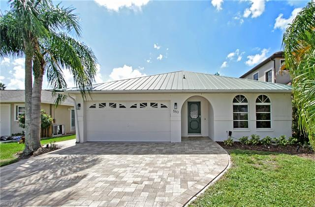 580 97th Ave N, Naples, FL 34108