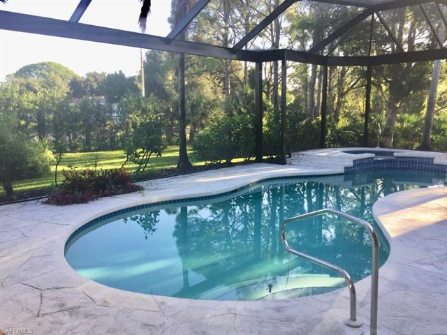 657 Soliel Dr, Naples, FL 34110