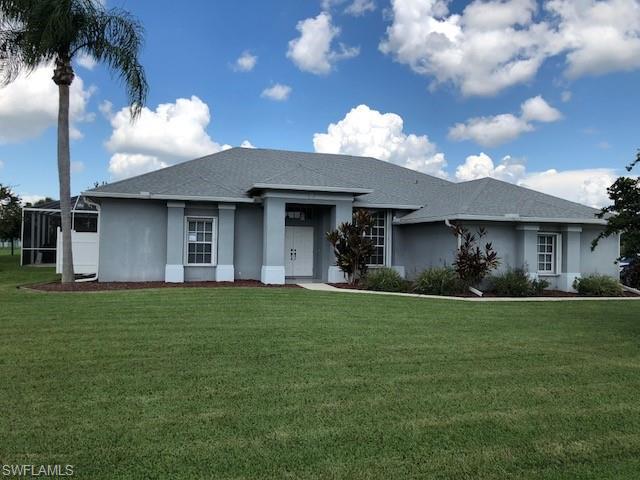 548 Foxcreek Dr, Lehigh Acres, FL 33974