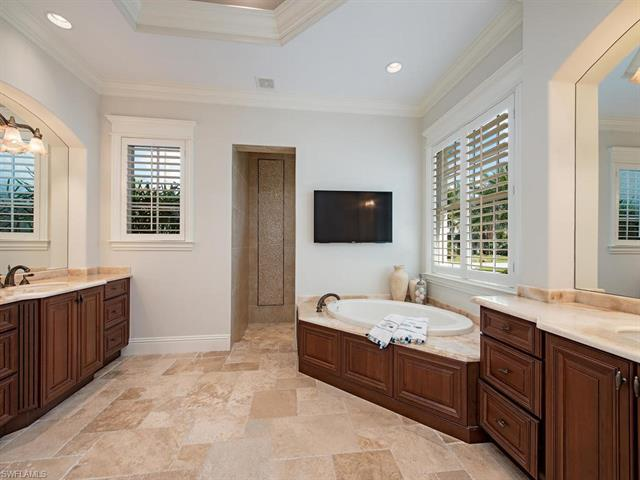 540 Putter Point Pl, Naples, FL 34103