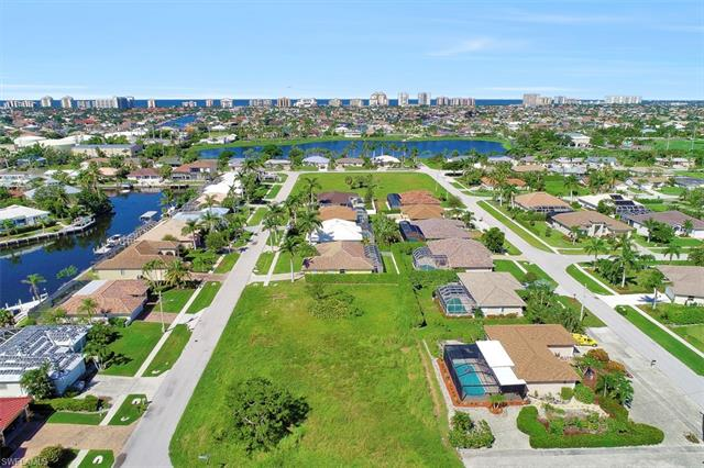1480 Galleon Ave, Marco Island, FL 34145