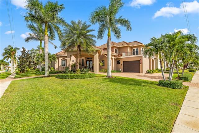901 Hyacinth Ct, Marco Island, FL 34145