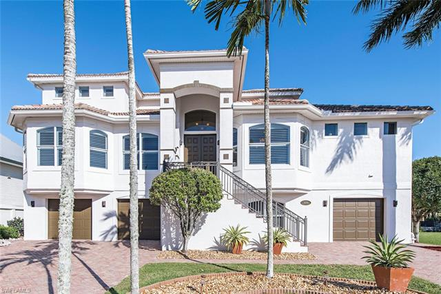 225 Egret Ave, Naples, FL 34108