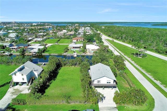 402 San Juan Ave, Naples, FL 34113