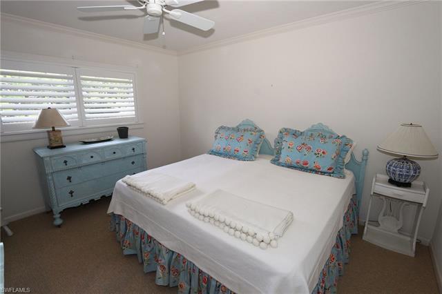 260 Champney Bay Ct, Naples, FL 34102
