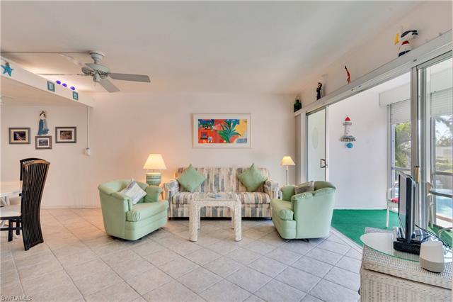 2064 Alamanda Dr 20, Naples, FL 34102