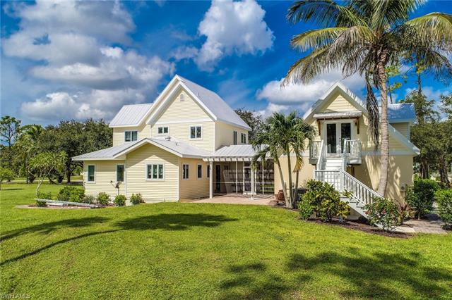 1770 Oakes Blvd, Naples, FL 34119