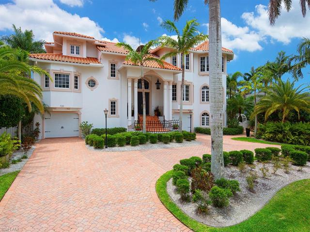 720 17th Ave S, Naples, FL 34102