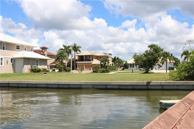 1200 Redwood Ct, Marco Island, FL 34145