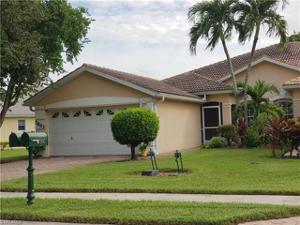 7803 Berkshire Pines Dr, Naples, FL 34104